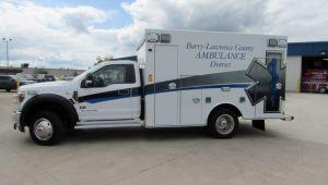 8122 Express Plus Type I Ambulance